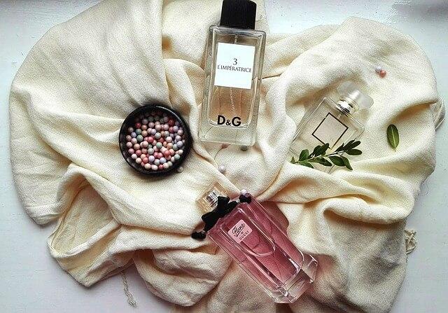 香水 3本