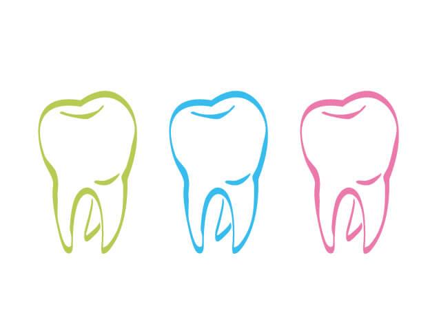 赤、青、黄色の歯