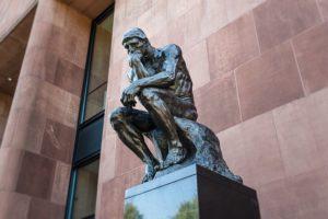 考える人 彫刻