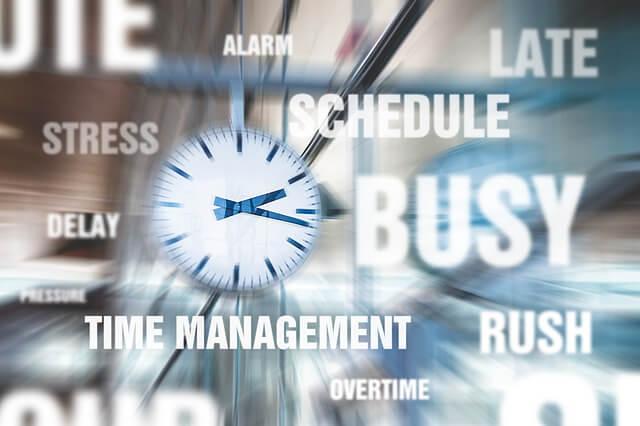 多忙、ストレス、時間に追われる などのイメージの写真